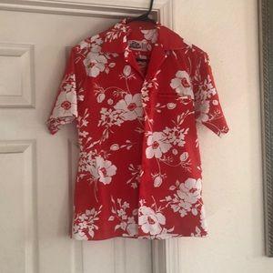 Authentic Hilo Hatties red/white Hawaiian shirt